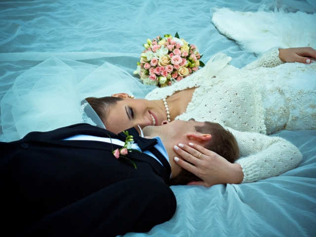 Lovely-Couples-Just-Married-HD-Wallpaper