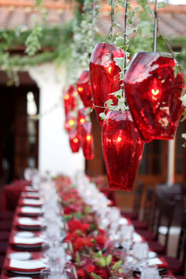 decorations-beauty-red-floral-glass-chandelier-as-christmas-decoration-ideas-in-amazing-red-dining-table-table-decoration-ideas-for-christmas