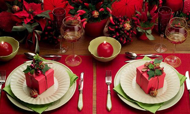 mesa-natal-vermelho-verde